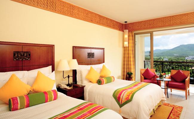 略带新加坡风格客房内部装修舒适温馨