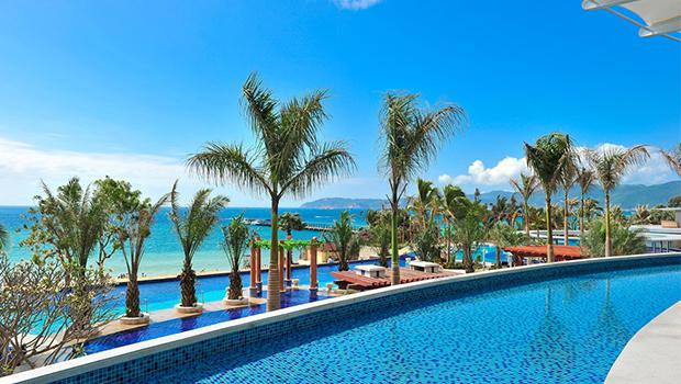 精选酒店 > 三亚亚龙湾假日度假酒店   充满海岛风情的细节设计,悠然